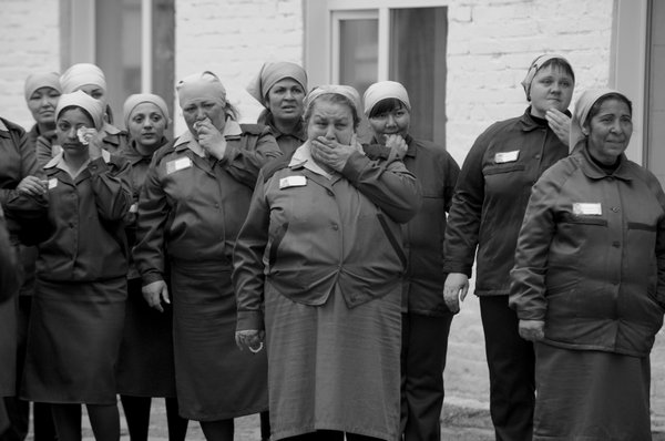Meeting in the colony for convicted women in Siberia thumbnail