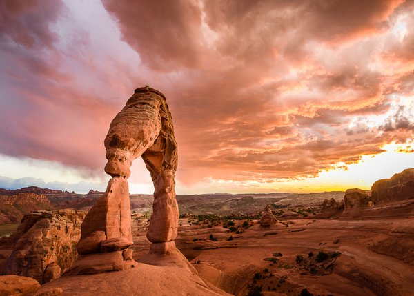 Sundown at Delicate Arch thumbnail