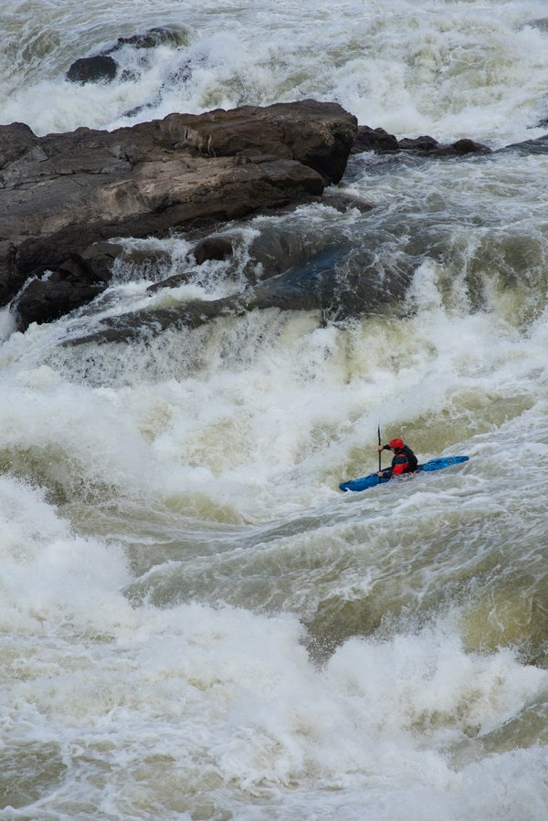 Kayaker Conquers Great Falls thumbnail