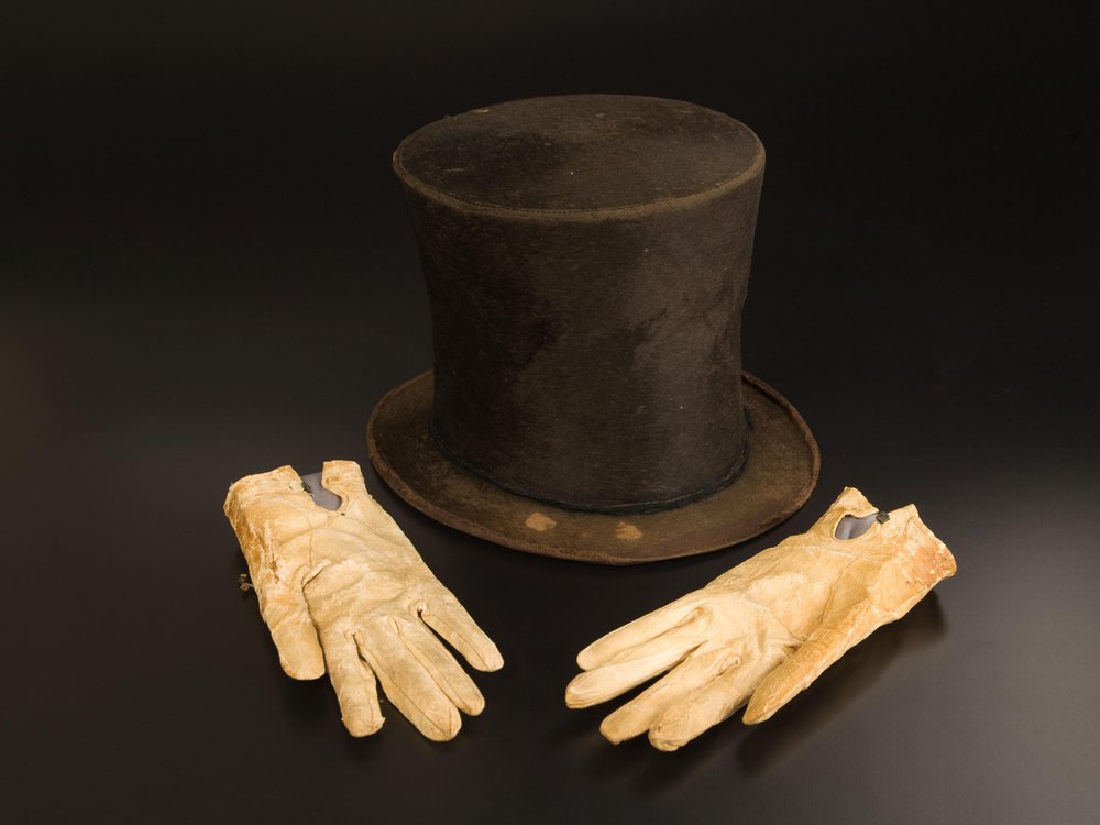 Hat and Gloves together.jpg