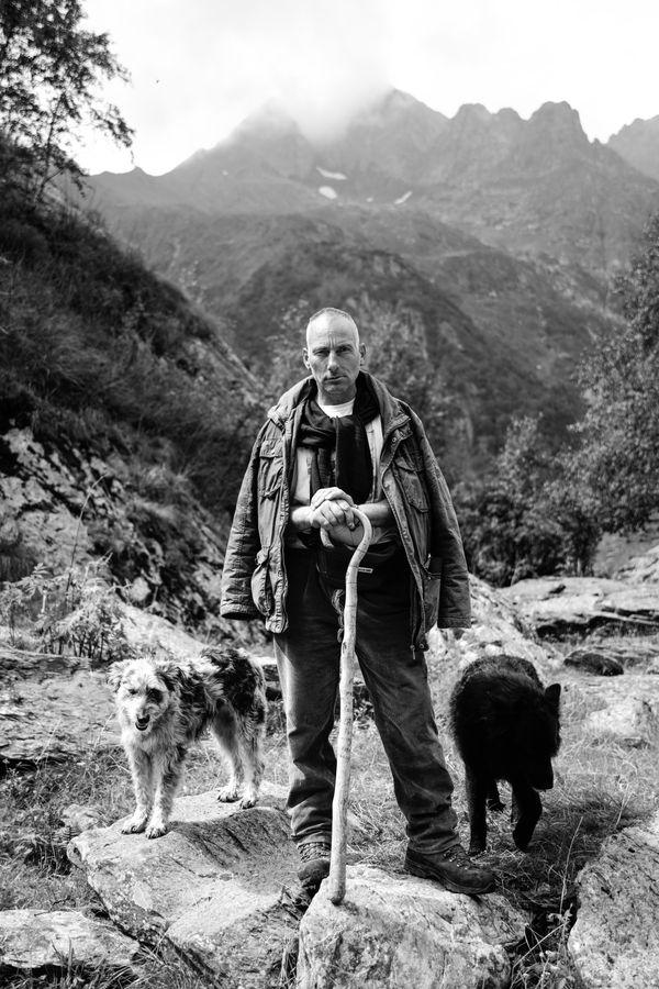 Roberto M. transhumance sheep shepherd thumbnail