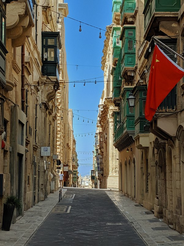 A Quiet Street in Valletta thumbnail