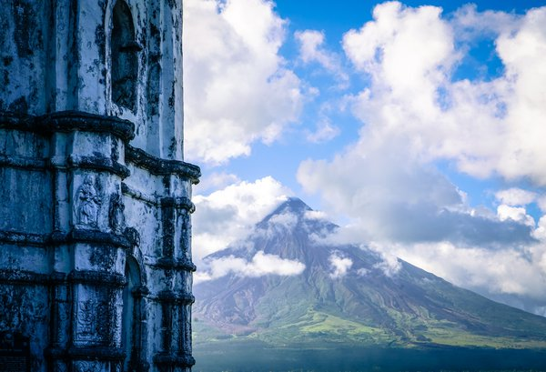 View of Mayon from Legazpi thumbnail