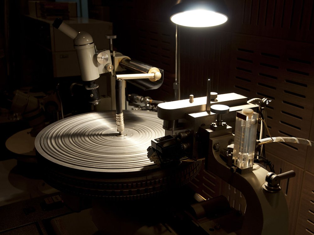 record-cutting-machine.jpg