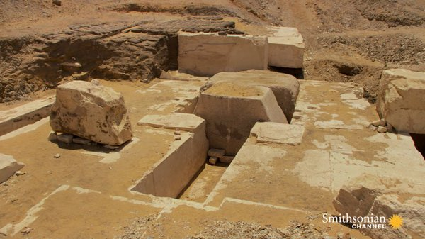 Preview thumbnail for Egyptologists Open a Newly-discovered Pyramid