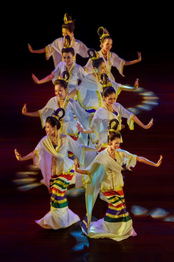 Myanmar Traditional Dance thumbnail