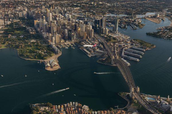 VH-OEJ Sydney Harbour Flyby thumbnail