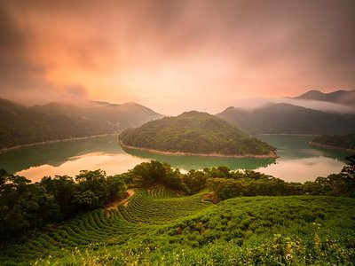 A view of the Feitsui Reservoir and Oolong Tea Garden in Taipei, Taiwan