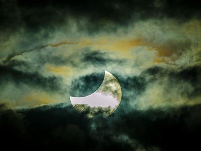 Approaching a total eclipse in Queensland, Australia, November 2012