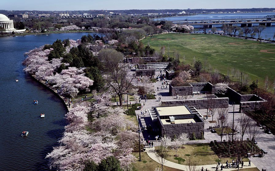 Aerial view of the Franklin Delano Roosevelt Memorial in the Spring (image: Library of Congress)