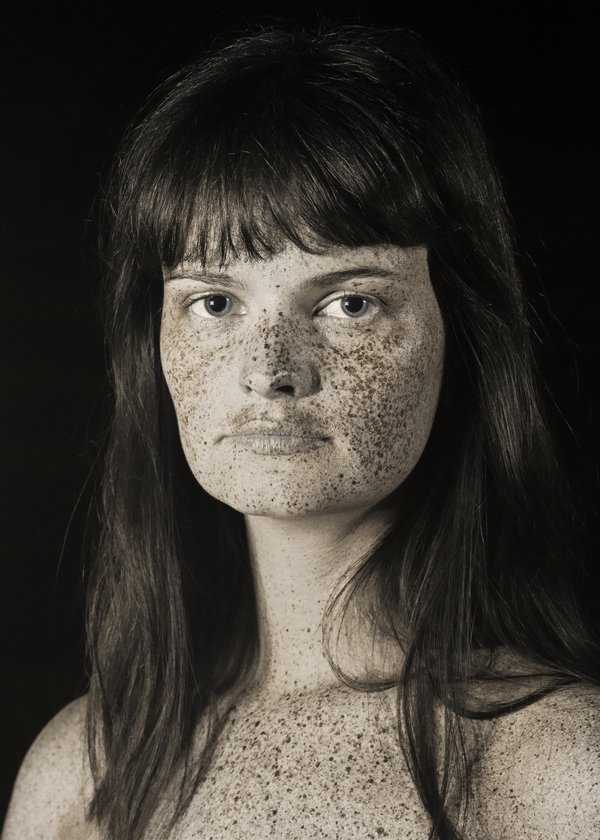 Raw portrait - Clémence thumbnail
