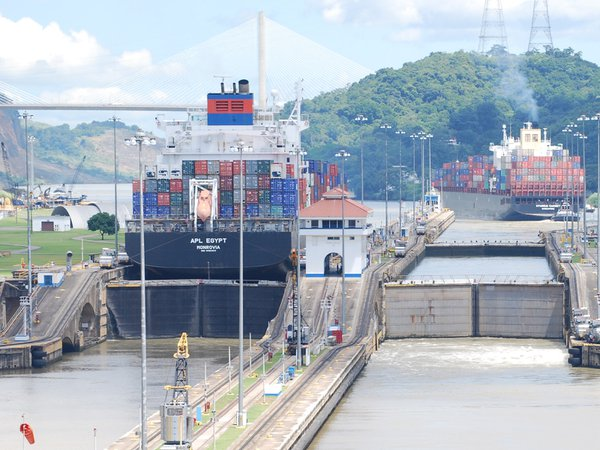 Going East, cargo ship entering the begining of the Panama Canal East Bound thumbnail