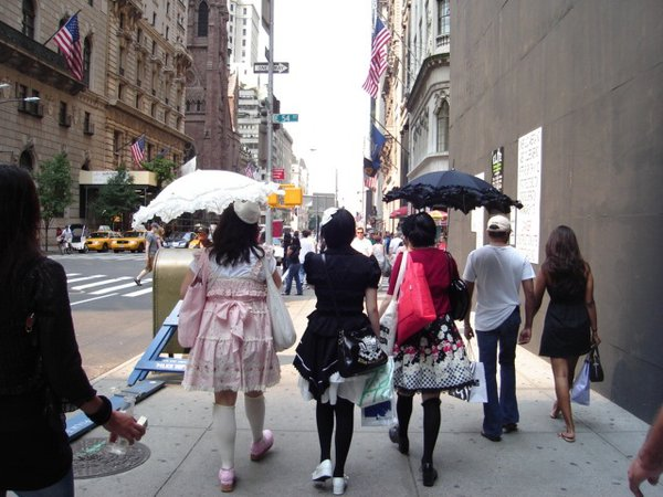 A trio of girls dressed to shop in the big apple thumbnail