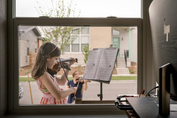 Social distanced violin lesson thumbnail