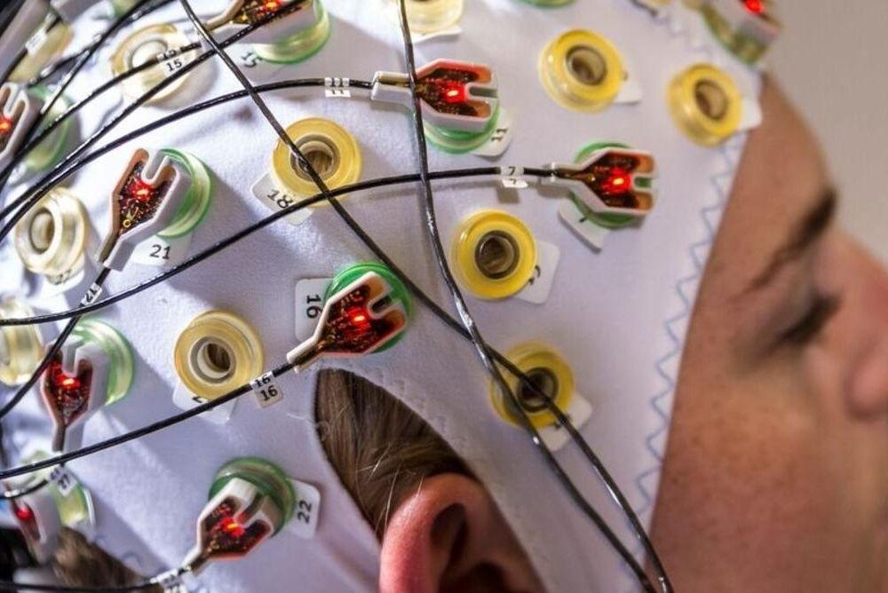 A noninvasive brain-computer interface
