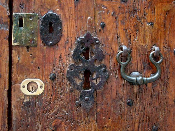 Key Holes thumbnail