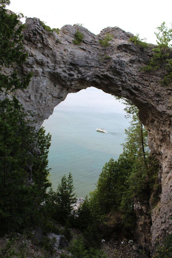 Limestone Arch Rock thumbnail