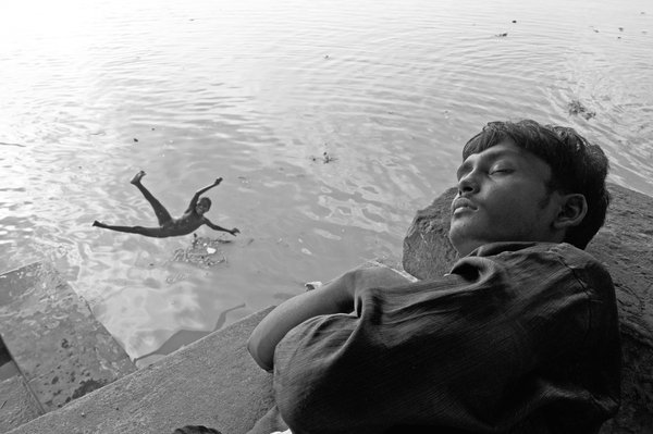 A Lazy Afternoon in the Bank of River Ganga. thumbnail