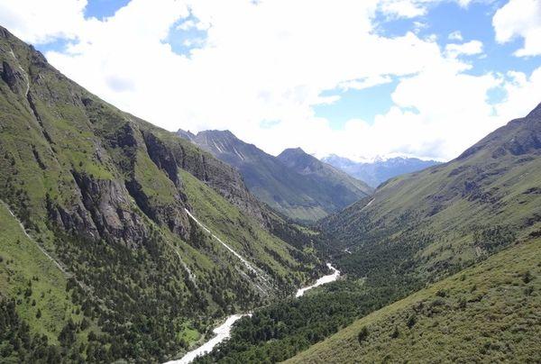 Deep and narrow Valley in Bhutan thumbnail