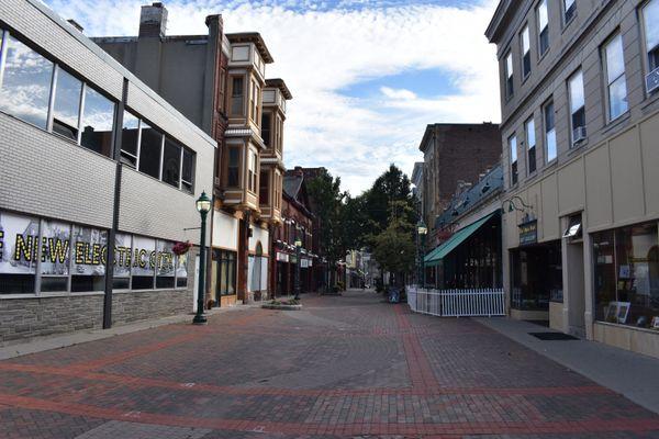 Solitude along the Jay Street Pedestrian Mall in Schenectady, NY thumbnail