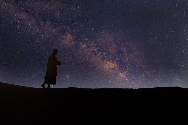 Mendicant with galaxy thumbnail
