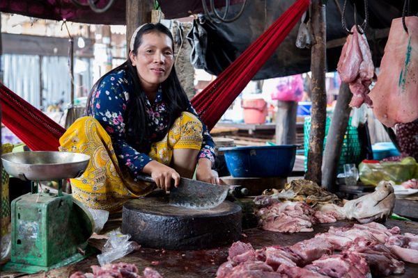 A Cambodian female butcher  thumbnail