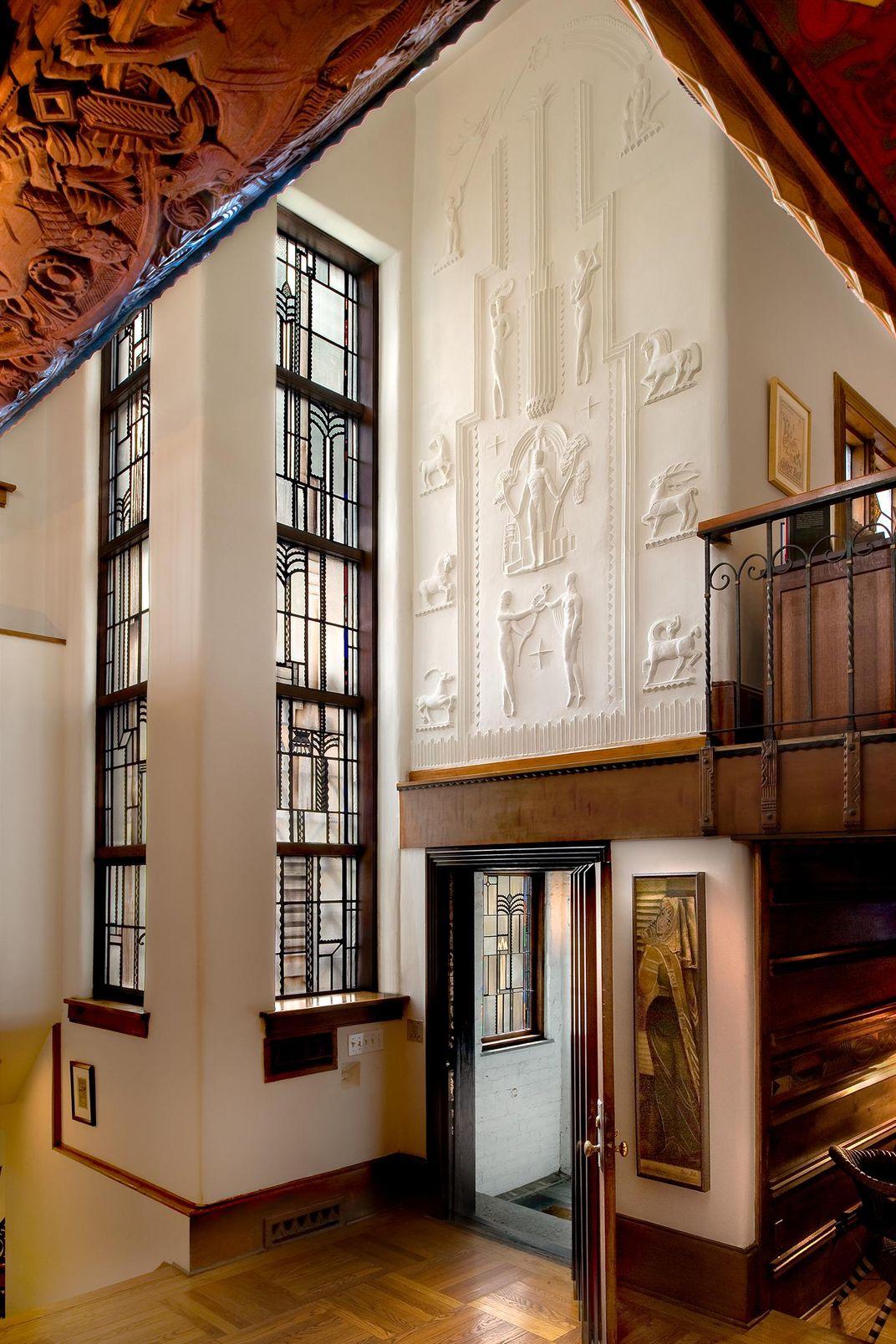 A New Virtual Tour Takes Us Inside Architect Edgar Miller's Masterwork