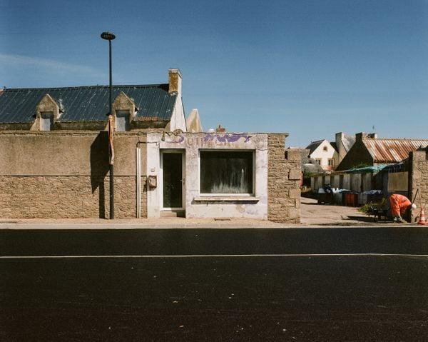 Abandonned small store in Saint Guénolé. thumbnail