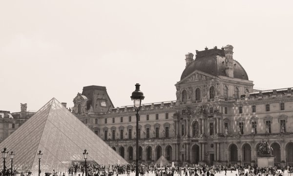 The Louvre  thumbnail