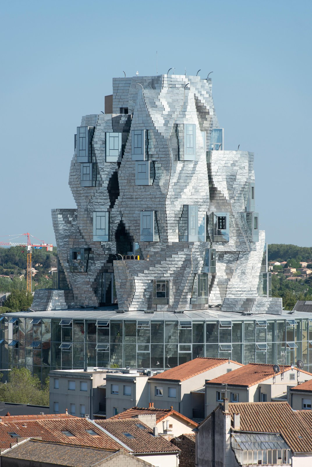 A New Frank Gehry Tower Rises Above the Quaint French Town of Arles