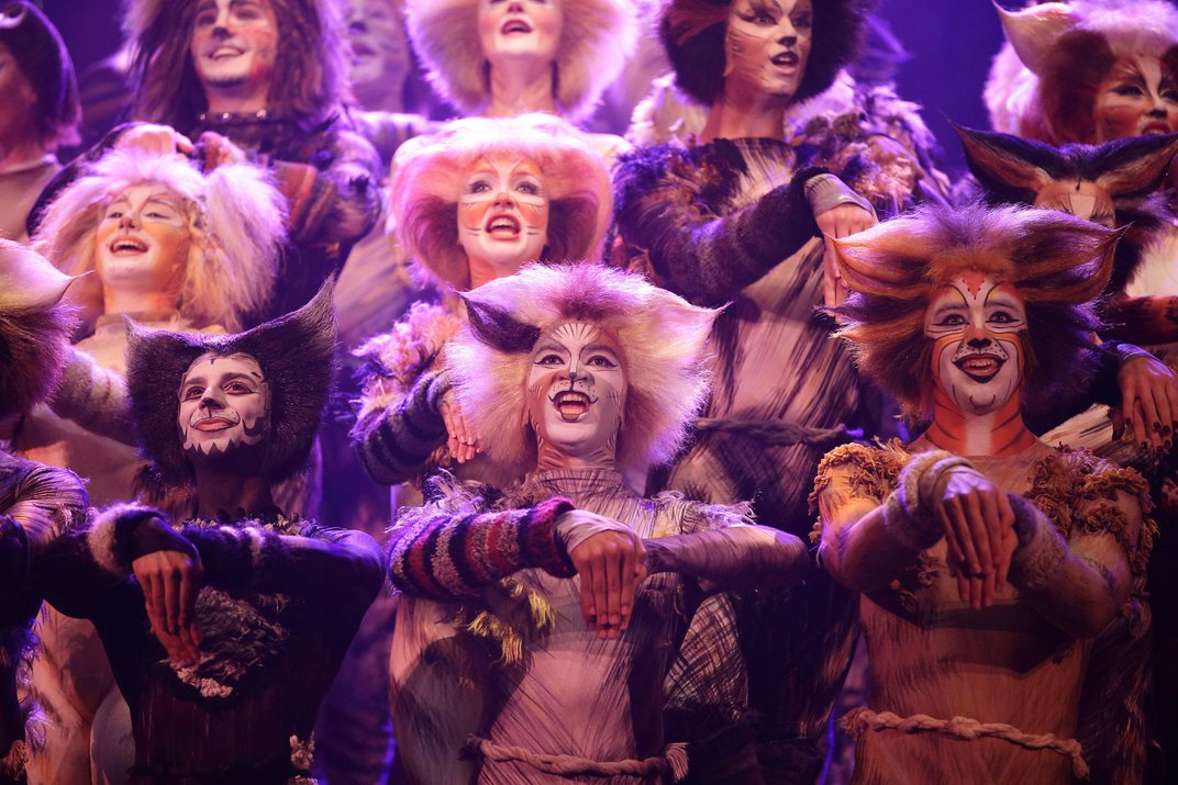 Purrfect or A-Paw-Ling? Why 'Cats' Still Gives Some Theatergoers Paws