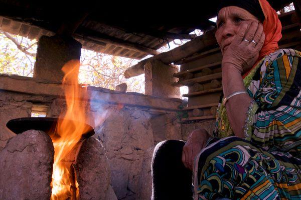 Fatima is preparing the bread thumbnail