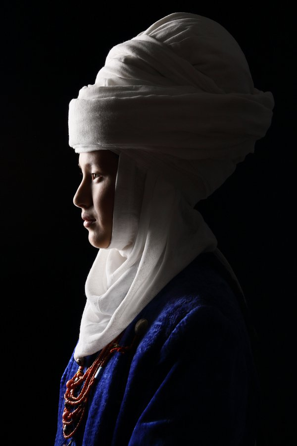 The bright Kyrgyz bride thumbnail