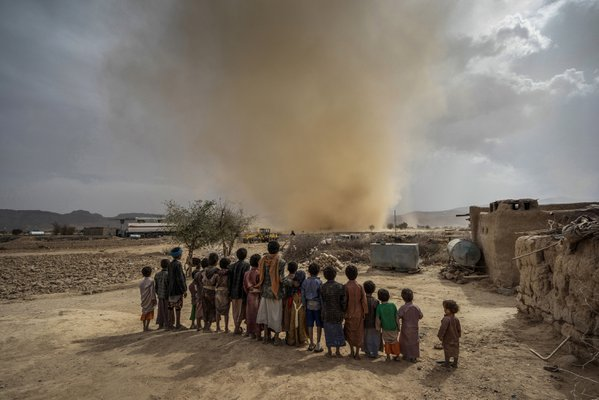 Children Watch A Cyclone In Huth thumbnail