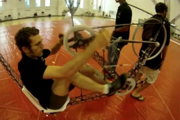 2012062602100606_25_2012_Bicycle-powered-helicopter.jpg