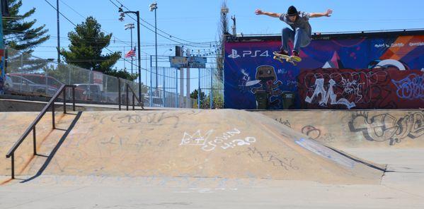 Ollie Manchester NH Skatepark (RIP) thumbnail