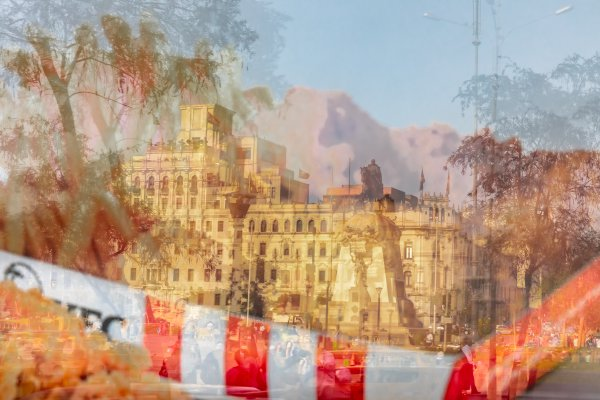 Reflections of fried chickens and historic buildings at Plaza San Martín thumbnail