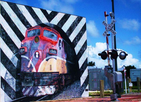 Trains A Comin thumbnail