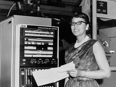 Melba Roy led the group of human computers who tracked the Echo satellites in the 1960s.