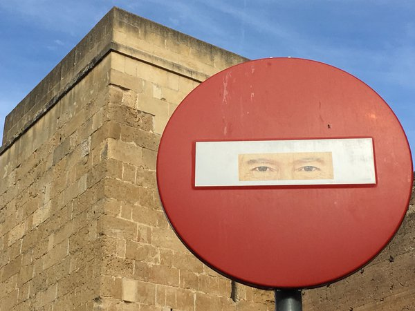 A Stop Sign in Córdoba thumbnail