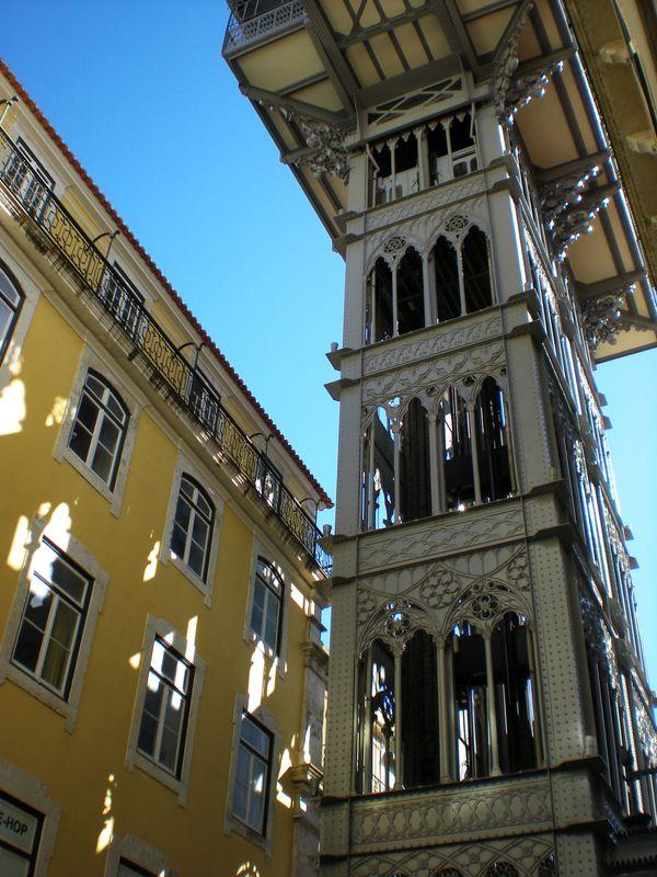 Escalator in Lisbon city thumbnail