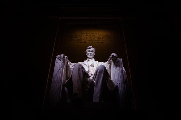 Lincoln under the spotlight thumbnail