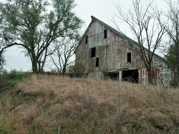 A Barn View of  Vanishing Missouri Prairie Farming thumbnail