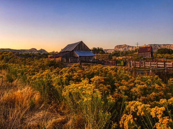 Barn outside Tropic, Utah. thumbnail