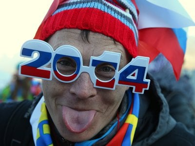 Do you want to be an Olympics superfan? Turn watching the games into a two-screen experience.