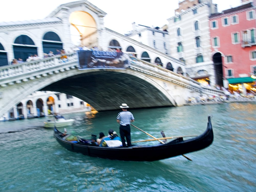 2Rialto-Bridge-Grand-Canal.jpg