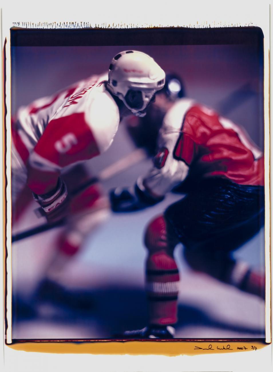 I photograph of hockey player figurines.
