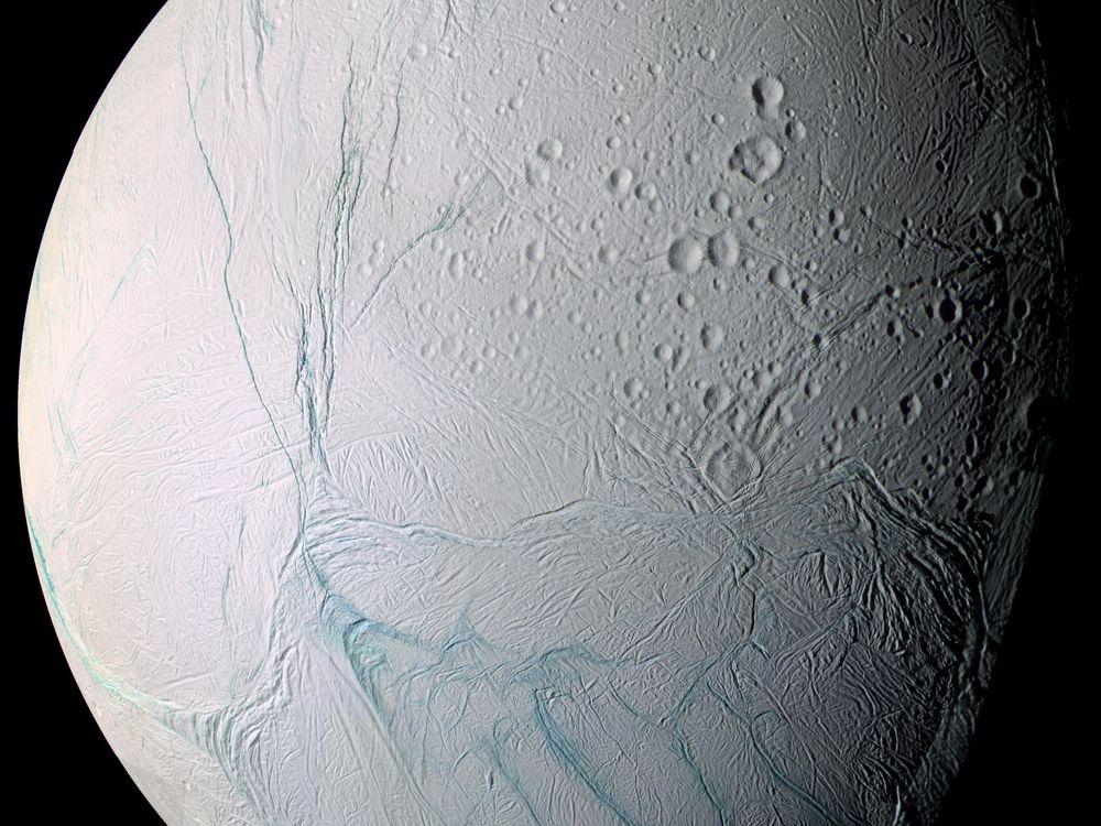 04_04_2014_enceladus.jpg