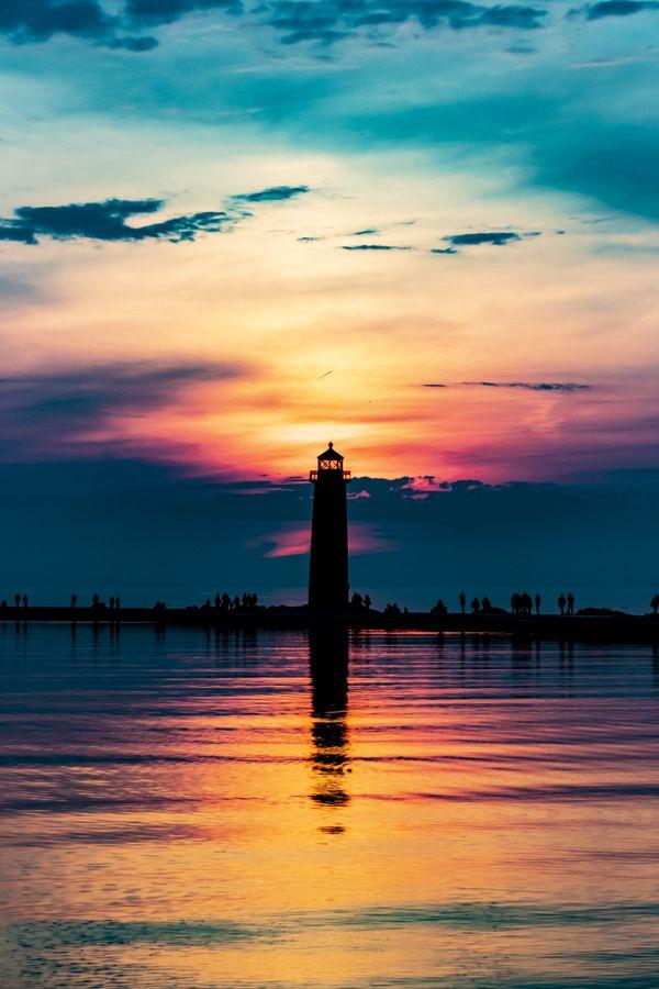 The splitting sunset thumbnail