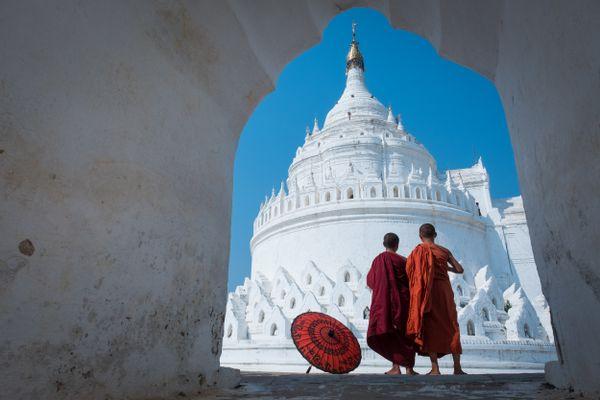 The White Temple  thumbnail
